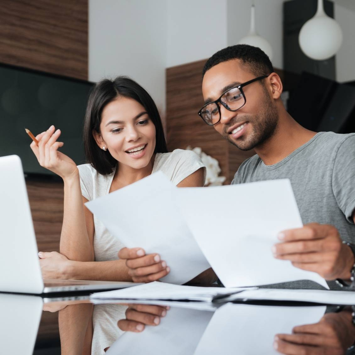 couple learning finances with bookkeeping tips and tricks